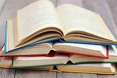 Aparat Di Kediri Periksa Buku Yang Diduga Berisi Materi