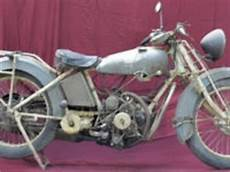moto 3 cylindres insolite moto tilkin 3 cylindres en 233 toile x 2 un 6