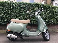 piaggio vespa lxv 50 portofino green classic style