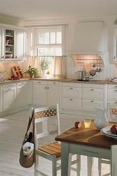 weiße küche landhausstil 119 best wei 223 e k 252 chen k 252 chen design ganz in wei 223 images