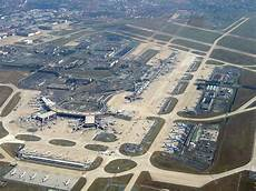 orly aeroport parking file orly airport august 26 2007 jpg wikimedia