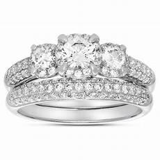 2 carat three stone trilogy diamond wedding ring