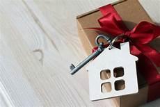 immobilien schenken statt vererben so vermeiden sie die schenkungssteuer bei immobilien tipps f 252 r die