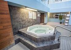Tub Edmonton Hotel by Edmonton Hotels Comfort Inn Suites Edmonton Comfort