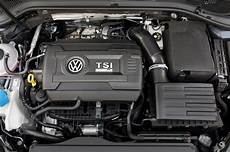2018 volkswagen golf r engine 01 motortrend