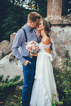 stunning banff elopement in the tunnel mountain reservoir junebug weddings