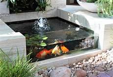 Gambar Desain Taman Aquarium Rumah 43