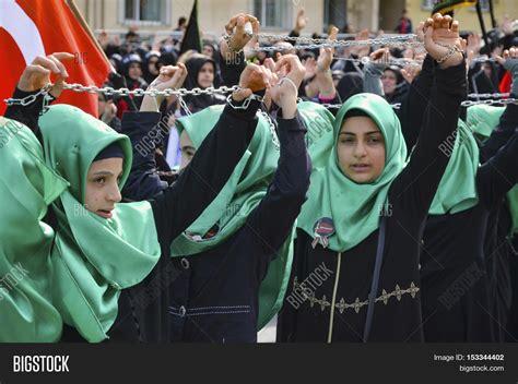 Sunni Muslim Girls