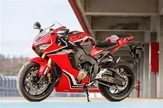Gamme Moto Honda 2017 2017 Superbike Shootout Who Do You Think Will King