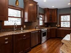 Kitchen Knobs Trends by 2017 Kitchen Cabinet Hardware Trends Theydesign Net