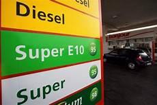 E10 Oder E5 - e10 kraftstoff einf 252 hrung des biosprits macht superbenzin