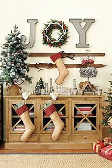 35 lovely and fancy christmas wall decor ideas bring the