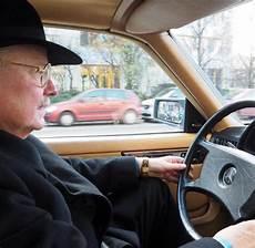 gebrauchte autos berlin mercedes h 228 ndler der berliner michael a netzeband ist