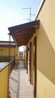 tettoia a sbalzo pergola a sbalzo in legno con portico a sbalzo tettoia in