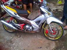 Modifikasi Revo 2007 by Foto Modifikasi Motor Honda Revo 2007 Terbaru
