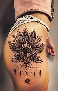 25 incredible hip tattoos for women checkout get inspired
