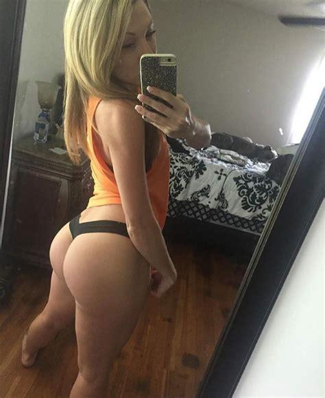 Thong Selfie