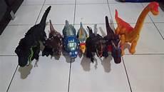 dinosaurus berlomba lari mainan anak youtube