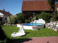 pool im garten selber bauen bildergebnis f 252 r poolgestaltung mit pflanzen pool