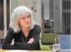 Franka Peikert Organisiert Kunstwerkstatt Hwz