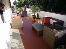 Bodenbelag Terrasse Kunststoff - terrasse mit fliesen und bodenbelag typ bergo xl aus pp