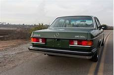 how things work cars 1977 mercedes benz w123 navigation system 1977 mercedes benz 300d looks fantastic seller claims it only has 41k miles carscoops