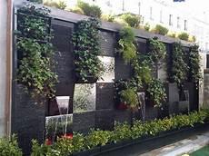 mur d eau exterieur cascade mur v 233 g 233 tal mur vegetal