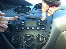 ford focus autoradio how to remove ford focus car stereo radio removal repair