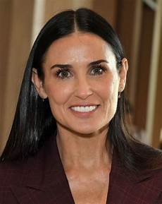 demi moore at friendly house lunch in los angeles 10 27