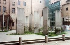 cortile di carpi bivaccano tra le stele dell olocausto multati cinque giovani