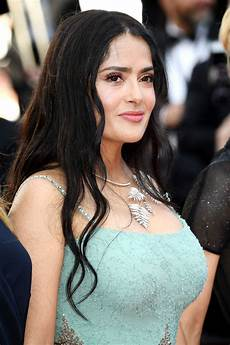 salma hayek salma hayek s glowing makeup at 2018 cannes film festival