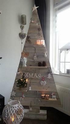 Weihnachtsbaum Modern Holz - 20 decorations using pallets