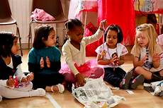 Children S Pass The Parcel Magicalbirthdaydust