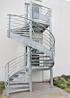 escalier colimaçon acier galvanisé ih33 169 photo escaliers d 233 cors 174 escalier en colima 231 on