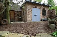 Steinplatten Am Gartenhaus Verlegt Karin