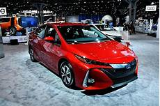 2019 Toyota Prius Pictures by 2019 Toyota Prius V Spied With New Suv Style
