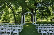 stay cool with these 5 tips for an outdoor wedding