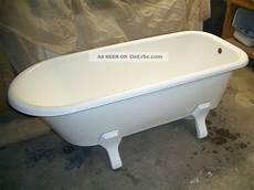 alte badewanne renovieren alte freistehende badewanne emailie gut erhalten