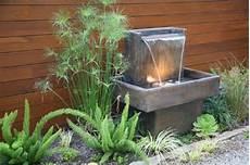 fontaine de terrasse wundersch 246 ner springbrunnen im luxuri 246 sen garten