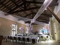 decoration salle de mariage plafond pack d 233 cor plafond en tulle 4 224 6 branches fanion chemin