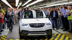 crossland x dimensions opel ceo drives crossland x the assembly line in