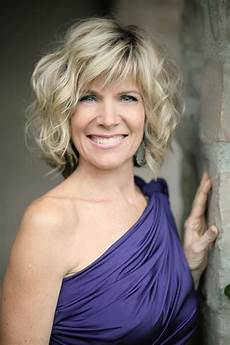 debby boone hairstyle pin on hair