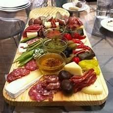 idee per aperitivi a casa in casa idee per abbinamenti cibo