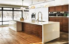 cuisine contemporaine design cuisine contemporaine aux meubles blancs ou bois fonc 233