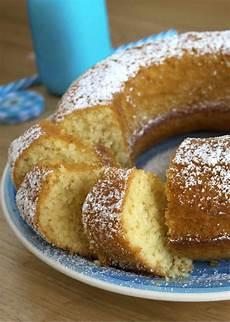 crema pasticcera con farina di cocco una ciambella con farina di cocco da leccarsi i baffi semplice da preparare profumata e