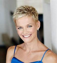 30 very short pixie haircuts for women short hairstyles 30 easy short pixie cuts for chic ladies pixie cuts