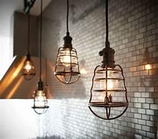 luminaire industriel suspension la suspension industrielle un 233 l 233 ment loft d 233 co
