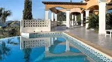 garage de la piscine valcros maison villa garage parking piscine plain pied
