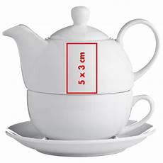 teekanne mit einer tasse und untersetzer bedruckt als