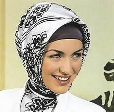 Turkish Style Cara Berjilbab Yang Kini Digemari Bani